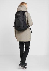 Burton - DAYHIKER 25L              - Backpack - true black - 5