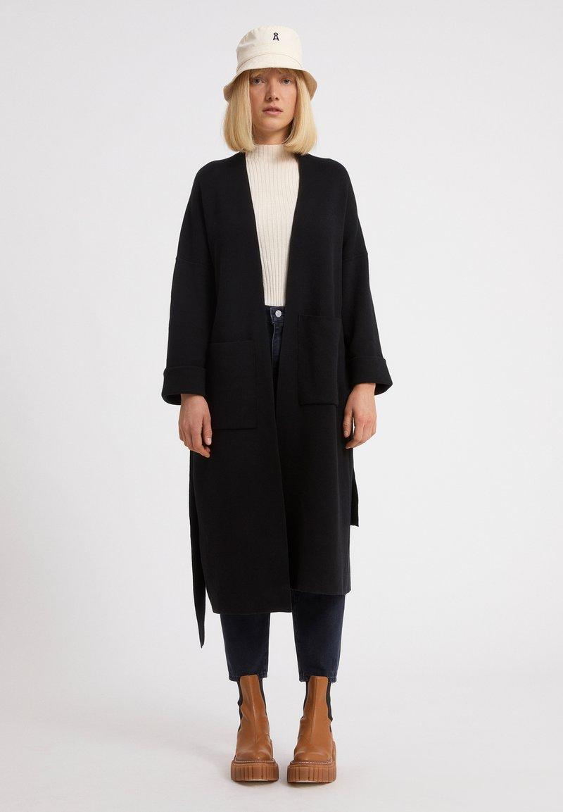 ARMEDANGELS - Classic coat - black