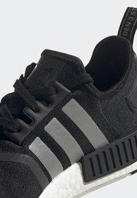 adidas Originals - NMD_R1 UNISEX - Trainers - core black/silver metallic/solar red - 13