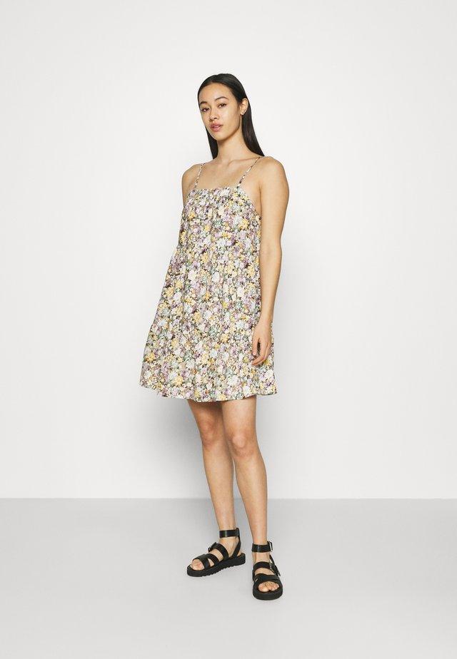 OBJJASIA SLIP DRESS - Day dress - sandshell