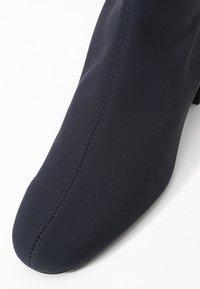 Pretty Ballerinas - Classic ankle boots - scotch azul - 2