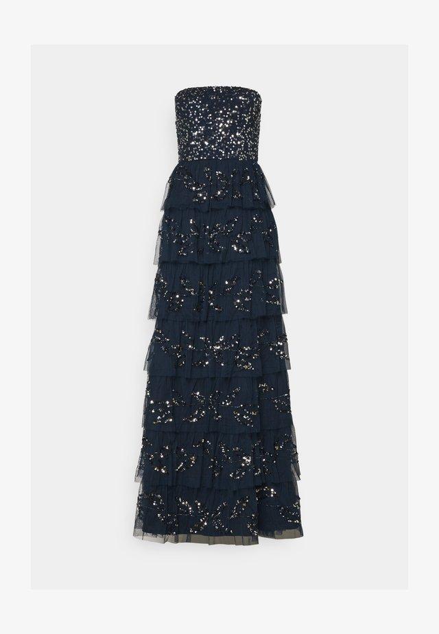 EMBELLISHED STRAPLESS TIERED MAXI DRESS - Společenské šaty - navy