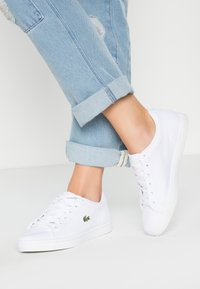 Lacoste - STRAIGHTSET BL 2 - Sneakers laag - white - 0