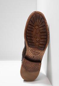 Cordwainer - Snørestøvletter - dark brown - 4