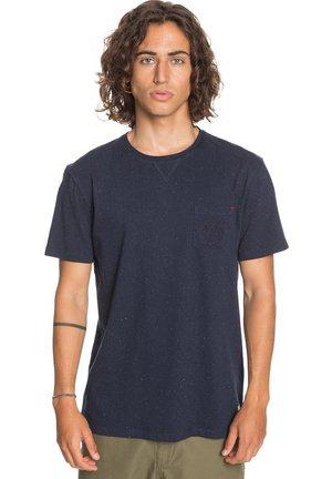 ENTRE PIN ET MER - Print T-shirt - navy blazer