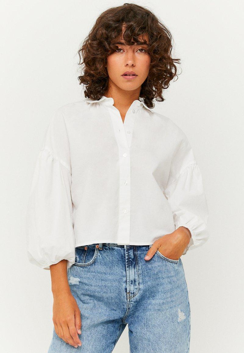 TALLY WEiJL - PUFFÄRMELN - Button-down blouse - whi006