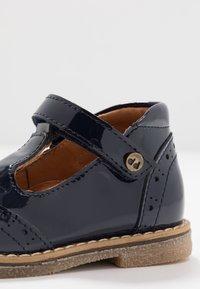 Froddo - COPER T-BAR MEDIUM FIT - Zapatos de bebé - blue - 2