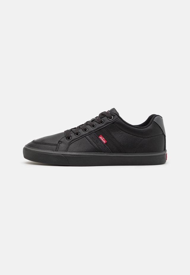 TURNER - Sneakersy niskie - brilliant black