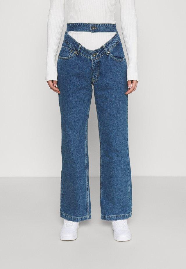 BUG - Straight leg jeans - mid blue