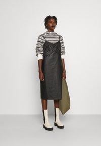MM6 Maison Margiela - DRESS - Shift dress - black - 1