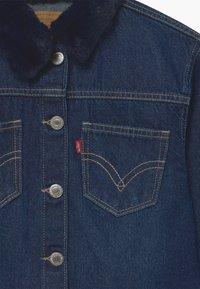 Levi's® - OVERSIZED HIGHRISE TRUCKER - Veste en jean - dark-blue denim - 2