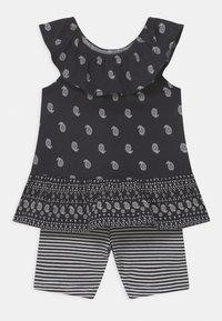 Carter's - 2-Piece Paisley Jersey Tee & Bike Short Set - Shorts - black/white - 0