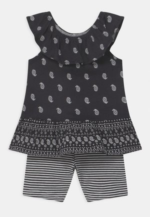 2-Piece Paisley Jersey Tee & Bike Short Set - Shorts - black/white