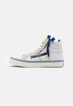 DOUBLE - Höga sneakers - white