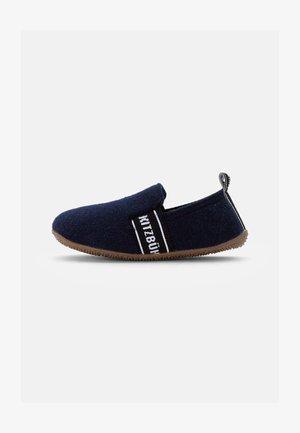 T-MODELL SCHRIFTZUG UNISEX - Slippers - dark blue