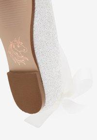 Next - PEWTER GLITTER TIE  - Ballet pumps - off-white - 3