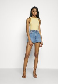 Abrand Jeans - HIGH RELAXED - Jeansshorts - miss jane - 1