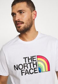 The North Face - RAINBOW TEE - T-shirt imprimé - white - 3