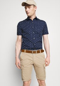 s.Oliver - CARGO - Shorts - brown - 3