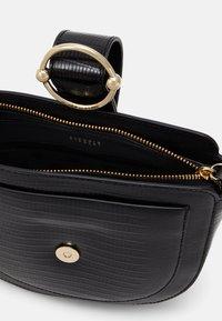 Claudie Pierlot - Across body bag - noir - 3