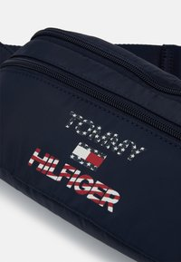 Tommy Hilfiger - AMERICANA CONVERTIBLE BACKPACK - Mochila - blue - 5
