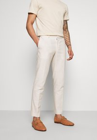 Isaac Dewhirst - PLAIN WEDDING - Traje - neutral - 4