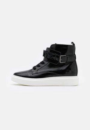 ALTA CON LOGO LETTERING - Sneakers high - nero