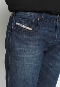 Diesel - ZATINY - Jeans Bootcut - dark blue denim - 3