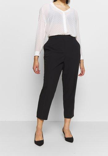 ELASTIC BACK ANKLE GRAZER - Spodnie materiałowe - black