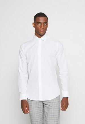 BUSINESS KENT PATCH - Camicia elegante - white