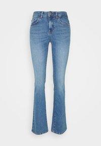 ONLY - ONLHUSH LIFE - Flared jeans - medium blue denim - 4