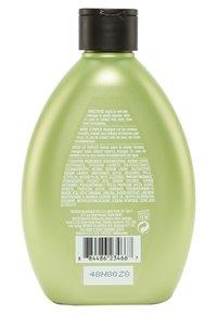 Redken - CURVACEOUS SHAMPOO HIGH FOAM - Shampoo - - - 1