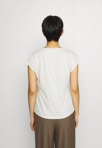 Cream - CARRIECR - Print T-shirt - white - 2