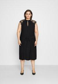 Vero Moda Curve - VMMILLA SHORT DRESS  - Koktejlové šaty/ šaty na párty - black - 0