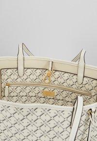 Lauren Ralph Lauren - COATED COLLINS - Bolso shopping - vanilla heritage - 4