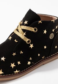 Walnut - BEAU DESERT  - Lace-ups - black/gold star - 5