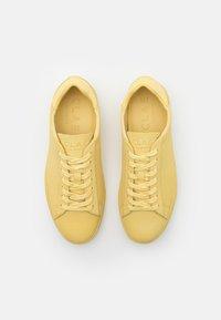 Clae - BRADLEY - Sneakers - pale banana - 3