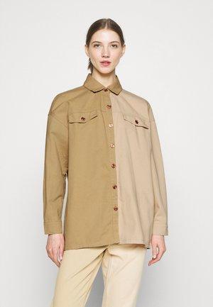 SPLICED OVERSIZED TIE SHIRT - Button-down blouse - tan