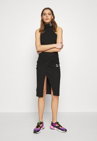 Puma - EMPOWER TURTLENECK BODYSUIT - Topper - black - 1