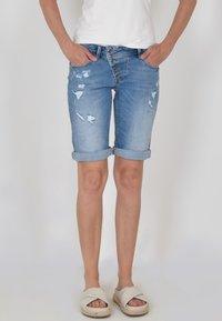 Buena Vista - Denim shorts - denim repair - 0