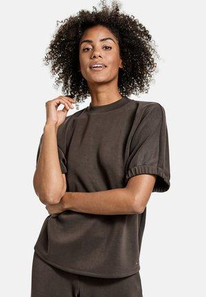 MIT WEITEM KURZARM - Basic T-shirt - ebony