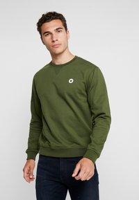 Wood Wood - TYE - Sweatshirt - army green - 0