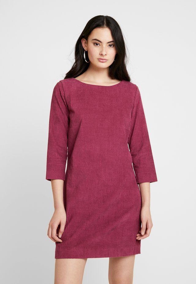 PALMER DRESS - Day dress - red plum