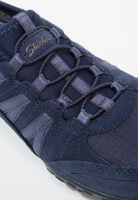 Skechers - BREATH EASY - Slipper - navy - 6