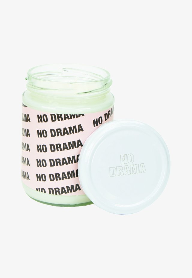 CANDLE - Duftlys - no drama - pink peaches & cream