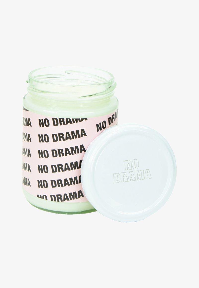 Flamingo Candles - CANDLE - Duftlys - no drama - pink peaches & cream