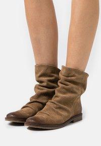 Felmini - CLASH - Cowboy/biker ankle boot - marvin stone - 0