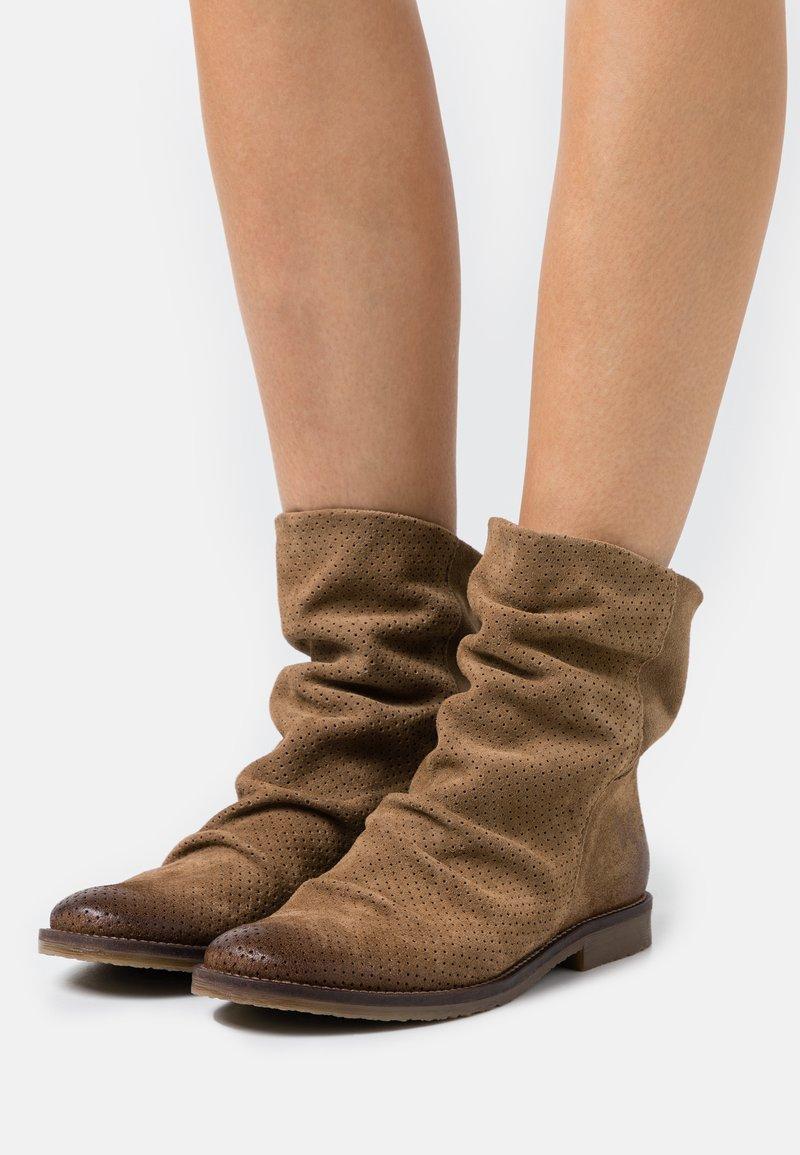 Felmini - CLASH - Cowboy/biker ankle boot - marvin stone