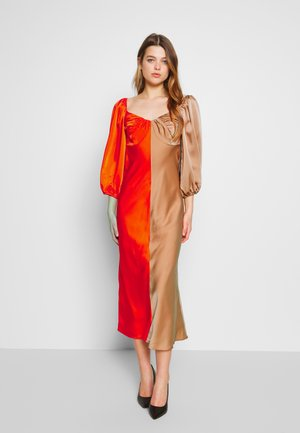THOUGHTFUL DRESS - Cocktail dress / Party dress - vermilion/tan