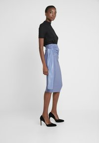 Missguided Tall - SLINKY KNOT FRONT SKIRT - Pencil skirt - blue - 2